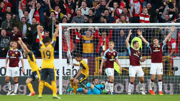 premier-league-football-arsenal-burnley-laurent-koscielny_3799672